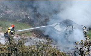 car catches fire in cotobro, almunecar