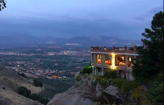 FTR 3Juanes Night Shot panoramic OnL