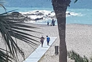 ALM Kids on Beach Lock Down
