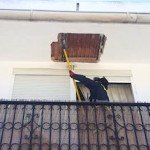 ALM Man injured by roof falling