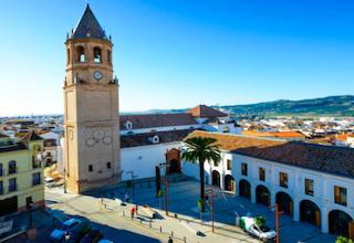 AXA Velez-Malaga