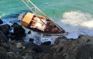 LHR Yacht on the Rocks JL31 02