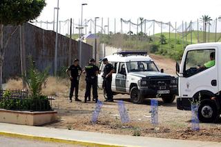 SPN Immigrants Assault Melilla Border