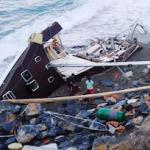 LHR Yacht Aground Now Wrecked 02